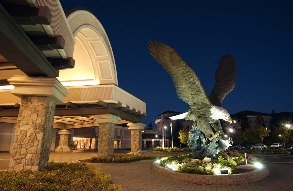 Seven Feathers Casino Resort 2