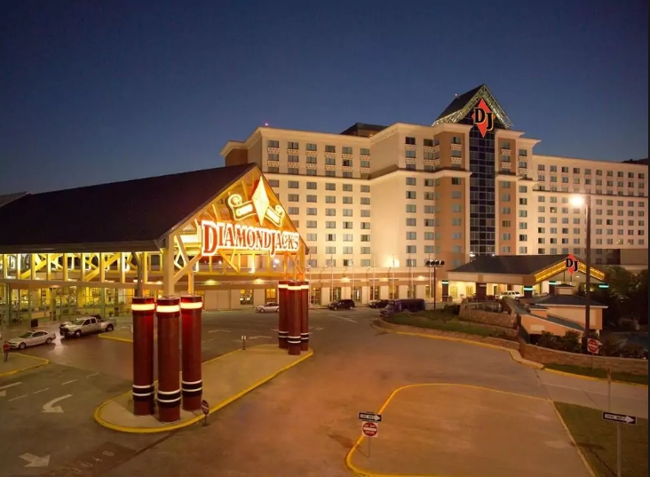 DiamondJacks Casino & Hotel 1